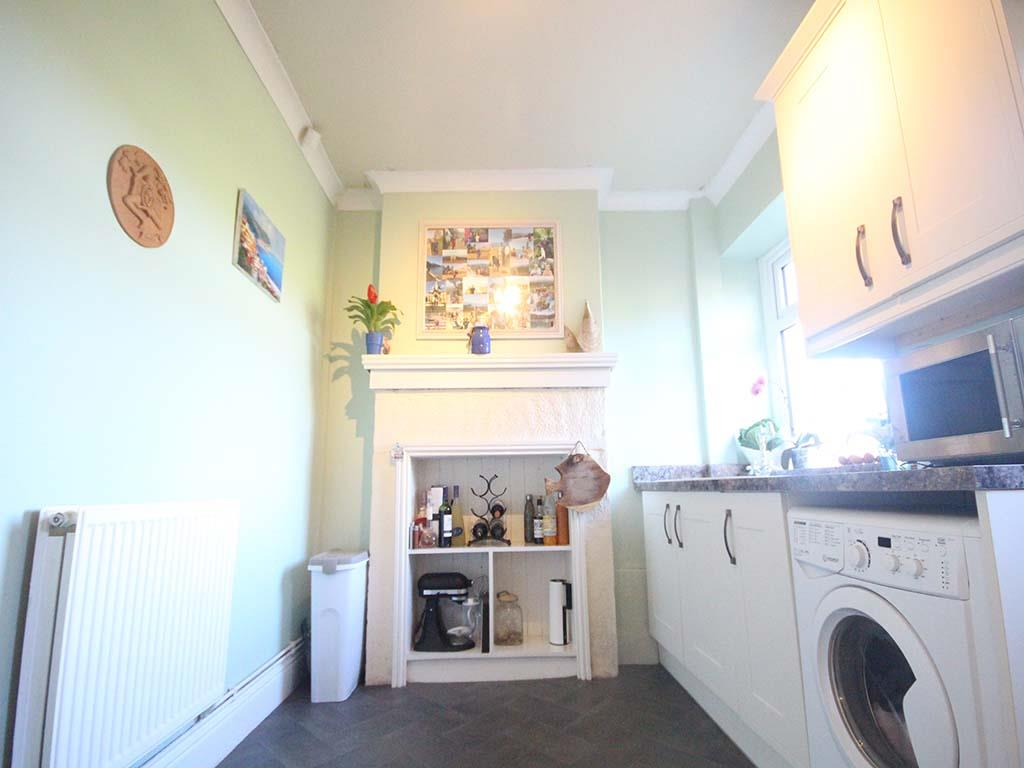 2 bedroom end terrace house For Sale in Winewall - IMG_7314.jpg